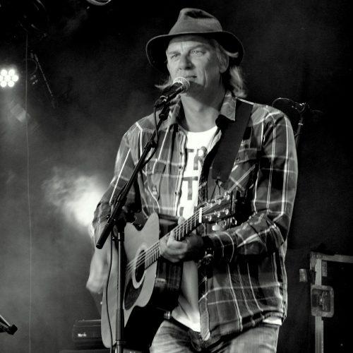 gitaardocent Jan Scheffer,gitaarles-lemmer. cursus begeleiden op gitaar Jan Scheffer Lemmer